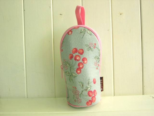 feeding bottle Case CHERRY GREEN