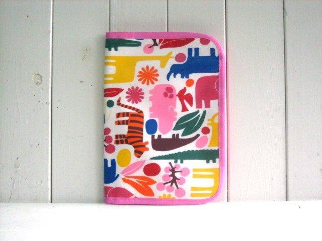 母子手帳ケース サファリ カラフル PVC L