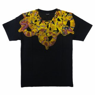 <img class='new_mark_img1' src='https://img.shop-pro.jp/img/new/icons1.gif' style='border:none;display:inline;margin:0px;padding:0px;width:auto;' />【メンズアイテム/半袖Tシャツ】Marcelo burlon (マルセロバーロン )MOON YELLOW CAMU T-SHIRT/Black