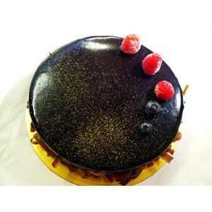 はなまるマーケットで紹介されました!スペシャルチョコレートケーキ お誕生日やお祝いにもオススメ♪