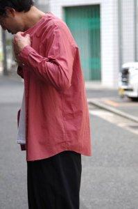 NO CONTROL AIR コットンリネンラフボイルVネックシャツ【Smoke Orange】