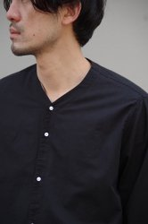 NO CONTROL AIR コットンリネンラフボイルVネックシャツ【Black】