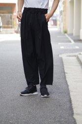 FIRMUM リネンレーヨンライトシャンブレーイージーサルエルパンツ【Black】