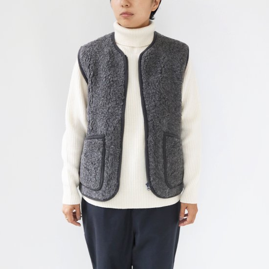 <img class='new_mark_img1' src='//img.shop-pro.jp/img/new/icons3.gif' style='border:none;display:inline;margin:0px;padding:0px;width:auto;' />Cold Breaker <br/>Wool Fleece Vest<br/>Grey