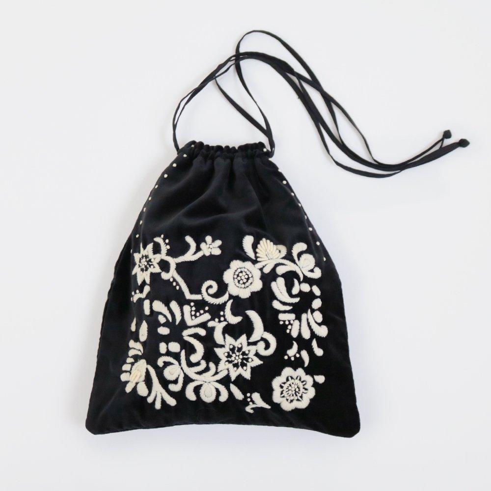 Khadi and Co. | ベルベットバッグ Flora Black | D012181BB238