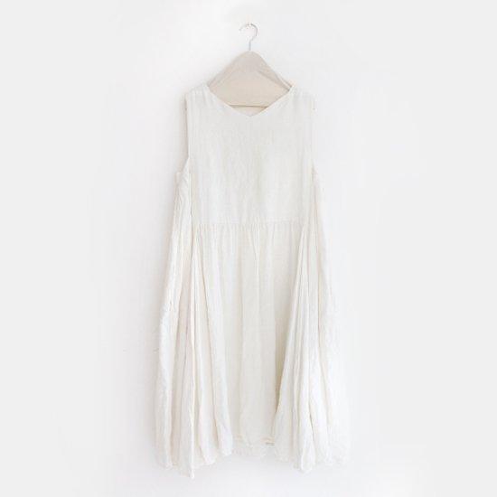Ricorrrobe<br>リネンノースリーブドレス<br>White