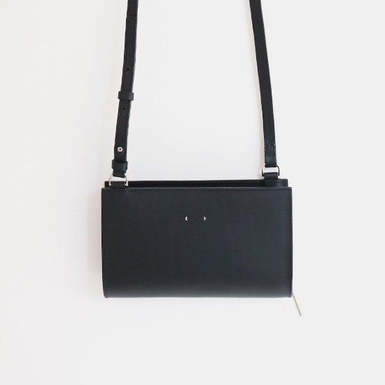 PB0110 | レザーポシェット Black | D112191BB001