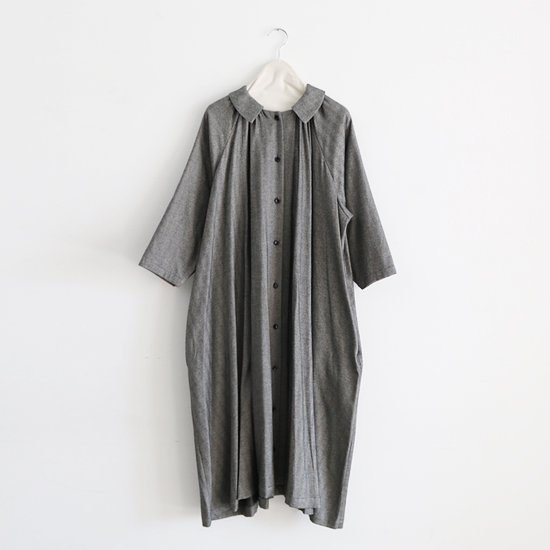 Atelier d'antan | ギャザーワンピース〈 Aimee 〉White×Black | A232172TD300