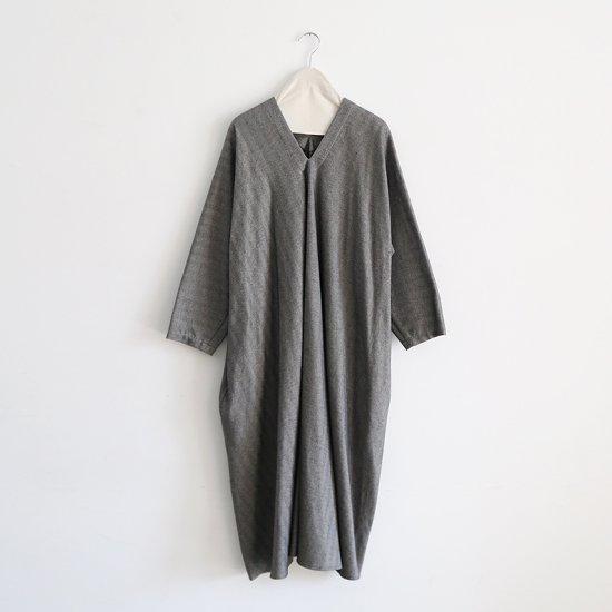 Atelier d'antan | Vネックワンピース〈 Noiret 〉White×Black | A232182TD341