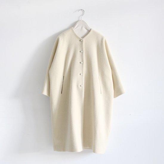 Lin Francais D'antan<br>ウールノーカラーコート<br>〈 Verlaine 〉<br>White
