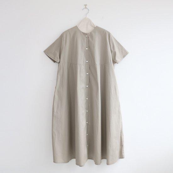 Atelier d'antan<br>ノーカラードレス<br>〈 Martinu 〉<br>Light Grey