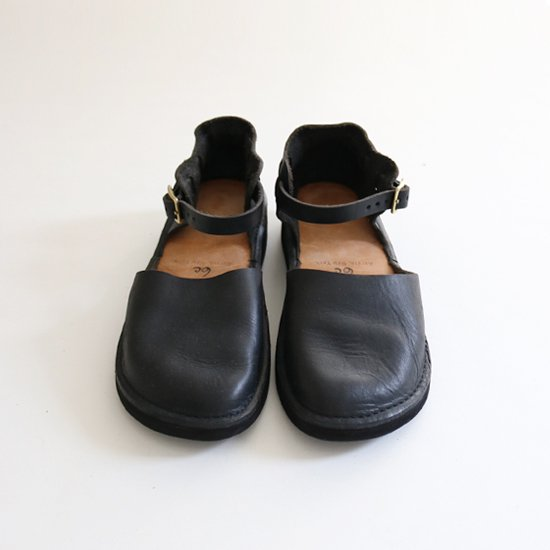 <img class='new_mark_img1' src='https://img.shop-pro.jp/img/new/icons54.gif' style='border:none;display:inline;margin:0px;padding:0px;width:auto;' />Aurora Shoes | ニューチャイニーズ Black | F002062SS004