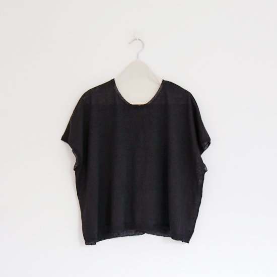 Atelier d'antan<br>リネンニットフレンチスリーブ<br>〈 Sabina 〉<br>Black