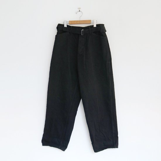 Comoli | デニムベルテッドパンツ Black | F035202PP129