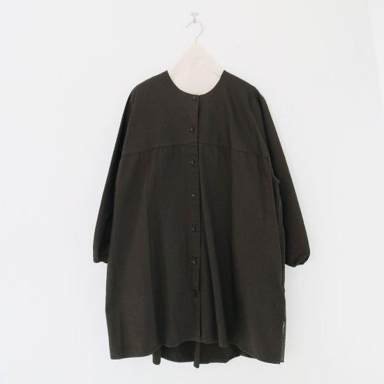 Atelier d'antan | ノーカラーロングシャツ〈 Seton 〉Olive | A232202TS468