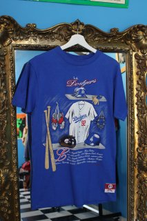 <img class='new_mark_img1' src='//img.shop-pro.jp/img/new/icons20.gif' style='border:none;display:inline;margin:0px;padding:0px;width:auto;' />LOSANGELS DODGERS LOCKER ROOM T-SHIRT