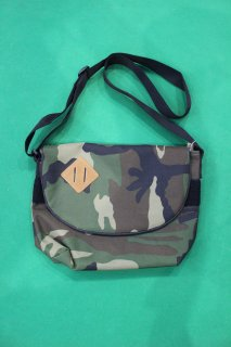 <img class='new_mark_img1' src='//img.shop-pro.jp/img/new/icons38.gif' style='border:none;display:inline;margin:0px;padding:0px;width:auto;' />US CAMO POUCH(USカモ ポーチ)