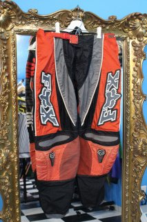 <img class='new_mark_img1' src='//img.shop-pro.jp/img/new/icons20.gif' style='border:none;display:inline;margin:0px;padding:0px;width:auto;' />FOX RACING PANTS(RED)