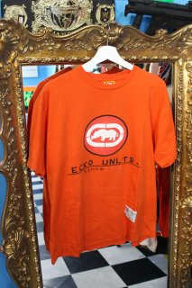 <img class='new_mark_img1' src='//img.shop-pro.jp/img/new/icons20.gif' style='border:none;display:inline;margin:0px;padding:0px;width:auto;' />ECKO LOGO T-SHIRT(エコー ロゴ Tシャツ)