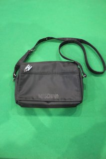 MOSCHINO NYLON POUCH(モスキーノ ナイロン ポーチ)