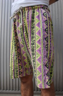 <img class='new_mark_img1' src='//img.shop-pro.jp/img/new/icons20.gif' style='border:none;display:inline;margin:0px;padding:0px;width:auto;' />TRIBE SURF SHORTS(民族柄 サーフ ショーツ)