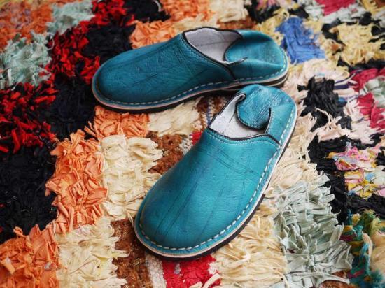 ... モロッコ製踵のない靴