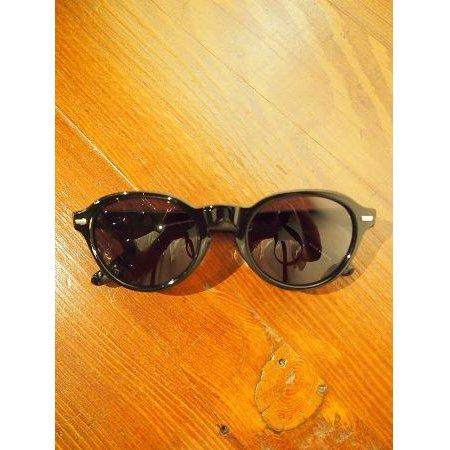 M エム / oval shape sunglass black
