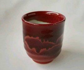 三池焼窯元の赤い湯のみ大(辰砂線文ゆのみ大)【還暦や退職などの贈り物に最適の九州熊本の手作り陶器です】