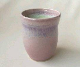 三池焼窯元のピンクの湯のみ(均窯くびれ湯のみ)【プレゼントに最適の九州熊本の手作り陶器です】