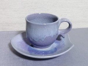 三池焼窯元◆ピンク(ラベンダー色、薄紫色)のコーヒーカップ&花びら皿『均窯(鈞窯)花びら皿カップ&ソーサー』【手作り陶器です】