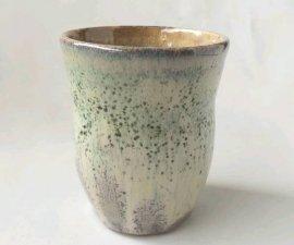 三池焼窯元◆緑色のくびれたカップ特選『緑釉くびれカップ特選』【誕生日などの贈り物に最適な九州熊本の手作り陶器】