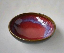 三池焼窯元 赤と黒の鉢13.5cm(辰砂天目鉢)【還暦や退職などのプレゼントに最適の九州熊本の手作り陶器です】