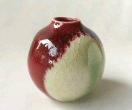 三池焼窯元 赤い窯変小壷(辰砂窯変小壷)【還暦や退職などのプレゼントに最適の九州熊本の手作り陶器です】