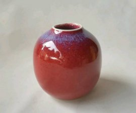 三池焼窯元・赤い花入れ(辰砂花入れ)【還暦や退職などのプレゼントに最適の九州熊本の手作り陶器です】