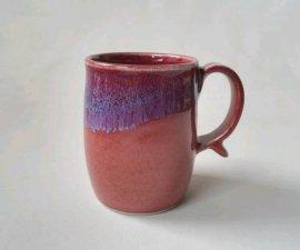 三池焼窯元の赤い筒型マグカップ(辰砂筒型マグカップ)【還暦や退職などのプレゼントに最適の手作り陶器】