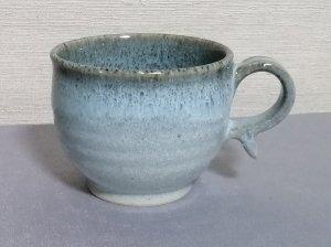 三池焼窯元◆フチが茶色っぽい白色の丸形マグカップ220cc『白釉フチ鉄マグカップ220cc』【誕生日などの贈り物に最適な九州熊本の手作り陶器】
