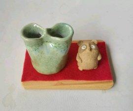 三池焼窯元・狸と花入れ【プレゼントに最適の九州熊本の手作り陶器です】
