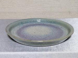 三池焼手作り陶器・緑色、ラベンダー色、白色と色が変化している平皿16.5�(銅緑釉平皿16.5�)