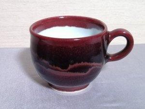 三池焼窯元の赤いマグカップ(辰砂線文)【還暦や退職などのプレゼントに最適の手作り陶器】