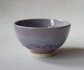三池焼窯元◆ピンク(薄紫)のご飯茶碗小『均窯(鈞窯)飯碗』【誕生日などの贈り物に最適な手作り陶器】