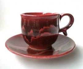 送料無料・三池焼窯元・ 赤いコーヒーカップ『辰砂線文コーヒーカップ&ソーサー』【手作り陶器です】