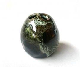 三池焼窯元◆黒くて小さな花入れ『天目手びねり三つ穴花器』【九州熊本の手作り陶器】