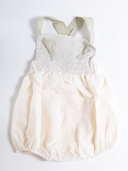 <img class='new_mark_img1' src='//img.shop-pro.jp/img/new/icons8.gif' style='border:none;display:inline;margin:0px;padding:0px;width:auto;' />Popelin ポペリン Reversible white romper suit リバーシブルロンパース