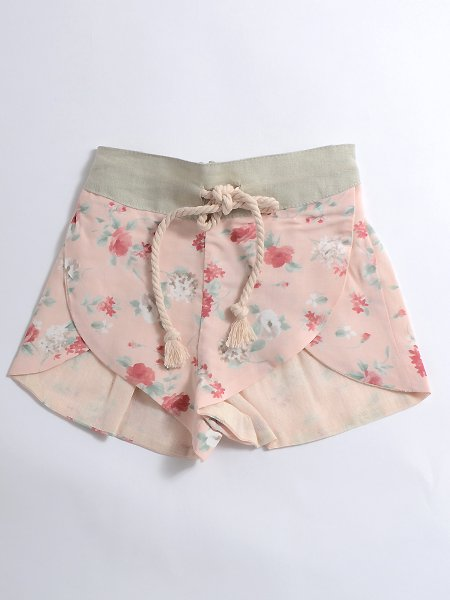 <img class='new_mark_img1' src='//img.shop-pro.jp/img/new/icons8.gif' style='border:none;display:inline;margin:0px;padding:0px;width:auto;' />Popelin ポペリン Floral shorts ショートパンツ