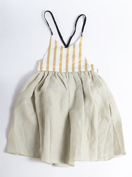 <img class='new_mark_img1' src='https://img.shop-pro.jp/img/new/icons8.gif' style='border:none;display:inline;margin:0px;padding:0px;width:auto;' />Popelin ポペリン Green reversible dress with crossover back. リバーシブルワンピース