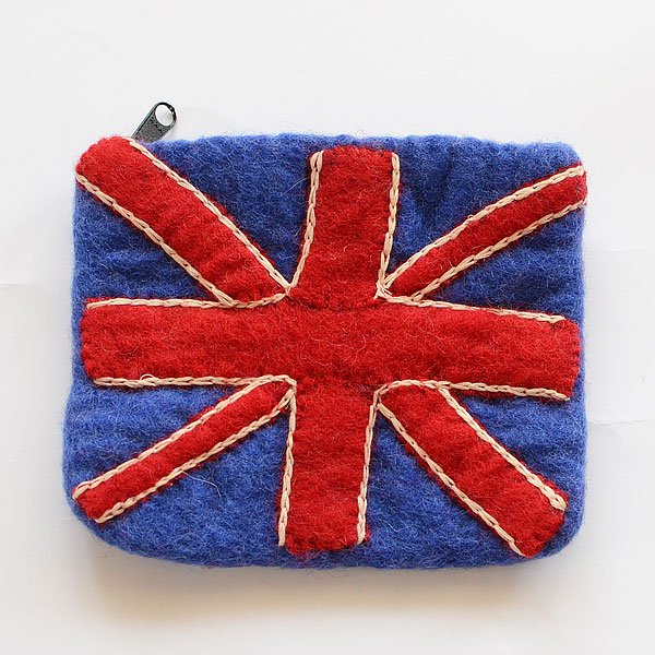 <img class='new_mark_img1' src='https://img.shop-pro.jp/img/new/icons8.gif' style='border:none;display:inline;margin:0px;padding:0px;width:auto;' />フェルトポーチ UNIONJACK SPES