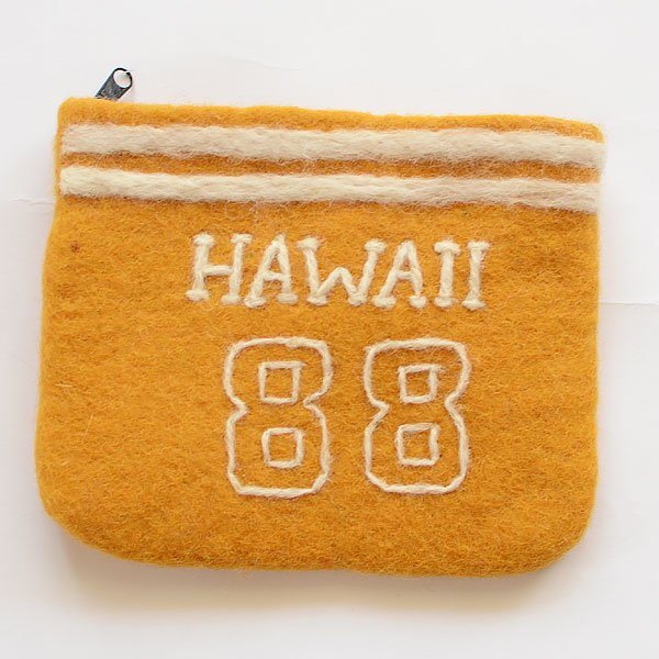 <img class='new_mark_img1' src='https://img.shop-pro.jp/img/new/icons8.gif' style='border:none;display:inline;margin:0px;padding:0px;width:auto;' />フェルトポーチ HAWAII SPES