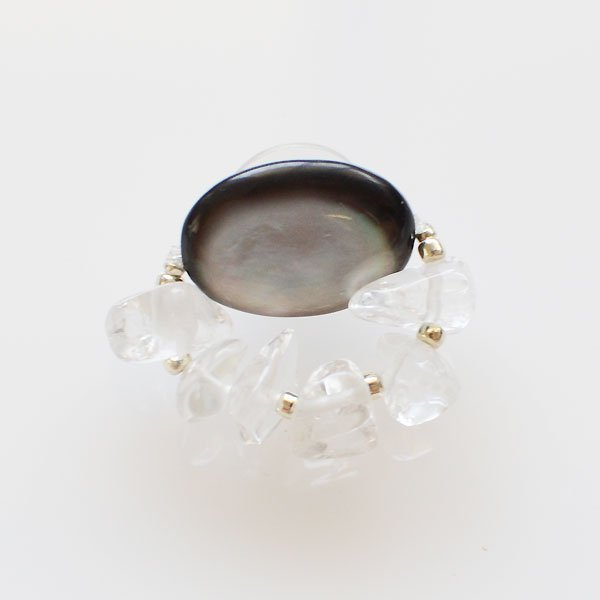 <img class='new_mark_img1' src='https://img.shop-pro.jp/img/new/icons8.gif' style='border:none;display:inline;margin:0px;padding:0px;width:auto;' />UI. ウイ Eye pierce crystal