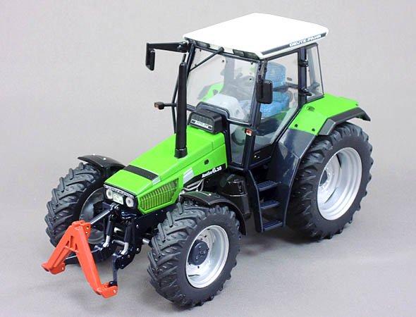 Weise-toys 1/32 Deutz-Fahr AgroStar 6.38
