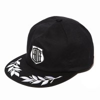 <img class='new_mark_img1' src='//img.shop-pro.jp/img/new/icons5.gif' style='border:none;display:inline;margin:0px;padding:0px;width:auto;' />CALEE - Twill embroidery wappen cap
